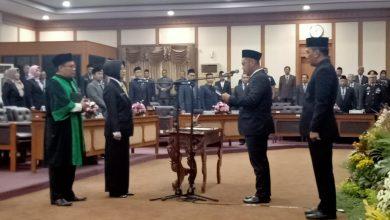 Photo of Nur Saidah Dikukuhkan Jadi Anggota DPRD Gresik