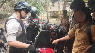 Photo of Anak Kelas 3 SMP Pakai Motor Bodong, Kenang Operasi TIM COBRA Lumajang