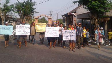 Photo of Masyarakat Dusun Sugiwaras Hilang Kesabaran Untuk Penyelasaian Kaur Kesra Desa Dapet