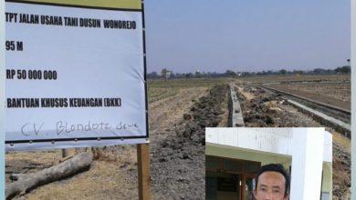 Photo of Tangan Jahil, Papan Nama Proyek Ditulisi CV. BLONDOTE DEwe