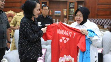 Photo of Wali Kota Risma Bikin Museum Olahraga, Minarti dan Alan Sumbangkan Raket dan Kaosnya
