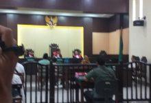 Photo of Sidang Kasus Guru Di Laporkan Wali Murid, Anggota Dewan Hadir Di Persidangan