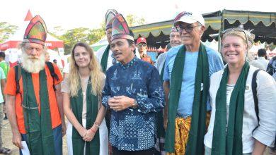 Photo of Tarian Mandailing Bawean Jadi Daya Tarik Bagi Turis Asing