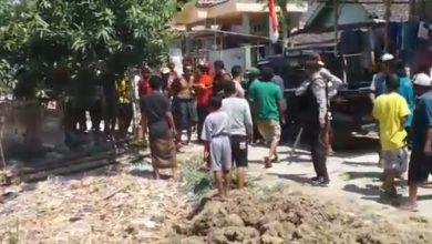 Photo of Mengevakuasi Suwoto Pembawa Clurit, Polisi Harus Tembak Kakinya