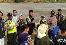 Photo of Baksos LSM GMBI dan Kapolsek Benjeng Distribusikam Air Bersih