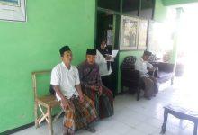 Photo of Peringati Hari Santri, ASN Di Kabupaten Sampang Kompak Kenakan Sarung Dan Kopiah Hitam