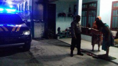 Photo of Bhabinkamtibmas Delivery Smart Antar SIM Ke Rumah