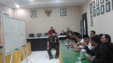 Photo of Tanyakan Dugaan Korupsi Dana Desa Masyarakat Sokobanah Daya Kembali Datangai Kejari Sampang