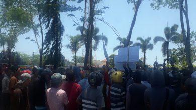 Photo of Tidak di Temui Bupati, Warga Ancam Boikot Pilkades Desa Banjar Talela