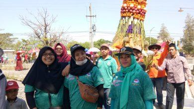 Photo of Arak-arakan Tumpeng Raksasa Untuk Peringati Haul Sesepuh Dusun Benem