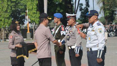 Photo of Kapolres Gresik Pimpin Apel Gelar Pasukan OPS Lilin Semeru 2019