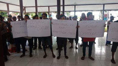 Photo of Calon Kades Selok Awar Awar, Eko Prastyo S.Pd. Bersikeras Harus Penghitungan Ulang