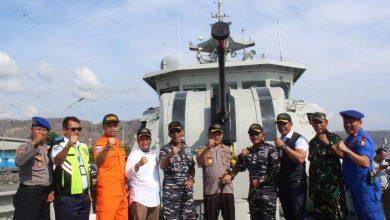 Photo of Lanal Banyuwangi Amankan Selat Bali pada Perayaan Nataru 2020 bersama Unsur Laut Gabungan