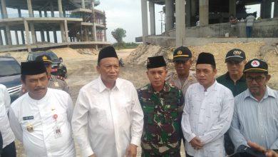 Photo of Forkopimda Gresik Lakukan sholat Ashar  di Islamic Center di Kedungpring