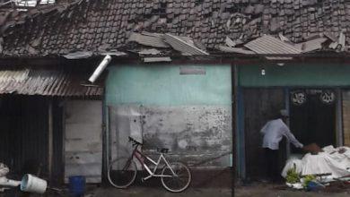 Photo of Lagi Puting Beliung Terjang 23 Rumah Warga Genting Hancur