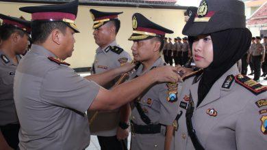 Photo of Kapolres Pimpin Sertijab Tiga Perwira Di Internal Polres Sampang