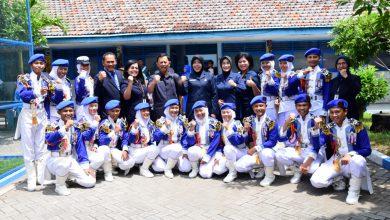 Photo of Peringati HUT ke-73 YHT, Ketua Korcab V DJA ll Makan Ikan Bersama Ribuan Siswa, Guru dan Karyawan YHT Surabaya
