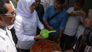 Photo of Harga Gula Jatim Naik dan Langka, Gubernur Khofifah Minta Satgas Pangan dan KPPU Cek Stok di Gudang dan Pabrik