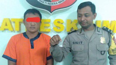 Photo of Satreskrim Polsek Kedamean Berhasil Borgol Pria Yang Kantongi Narkotika