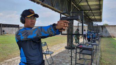 Photo of Danyonmarhanlan V Juarai Menembak Pistol Dalam Rangka HUT Lantamal V
