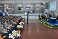 Photo of Gubernur dan 150 Pamen AAL Ikuti Pengarahan Wakasal