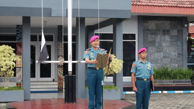 Photo of Danlanal Yogyakarta Pimpin Upacara Bendera 17-an