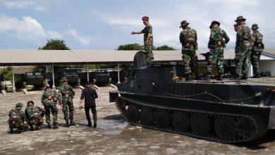 Photo of Sepekan, Taruna AAL Tingkat IV Korps Marinir Latihan Praktek Bajra Yudha di Kesatrian Pasmar-2