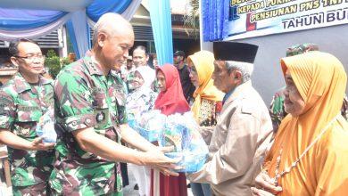 Photo of Aspers Danlantamal V Hadiri Peresmian Bedah Rumah Program Yasbhum Di Wilayah Kerja Lantamal V