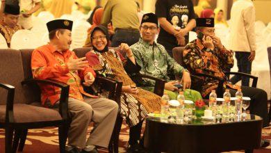 Photo of Ini Pesan Wali Kota Risma saat Nobar FilmJejak Langkah 2 Ulama Muhammadiyah & NU