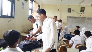 Photo of Cegah Konten Negatif, Pemkot Surabaya OperasiGawaiMilik Pelajar