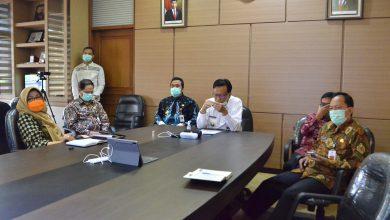 Photo of Untuk Kebutuhan Rumah Sakit Bupati Minta Tambahan APD ke Gubernur.