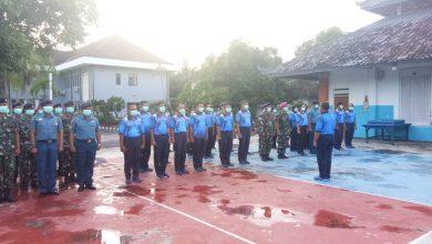 Photo of Antisipasi Penyebaran Vircon, Lanal Denpasar Bagikan Masker Kepada Seluruh Anggota