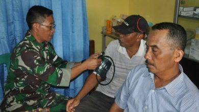Photo of Jemput Bola Ke Rumah Warga Satgas TMMD Ke 107 Kodim 0817/Gresik