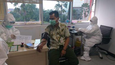Photo of Gubernur Khofifah Dorong RS dan Dinkes yang Sudah Terima Alat Segera Lakukan Tes Cepat Massal