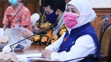 Photo of Gubernur Khofifah Hari Ini Kirim Surat ke Menteri Kesehatan Ajukan Surabaya Raya Penetapan PSBB