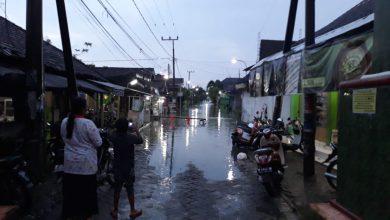Photo of Luberan Sungai Kali Lamong Membuat Enam Desa Kecamatan Benjeng, Terendam Air
