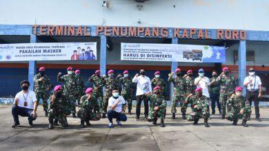 Photo of Cegah Penularan Covid-19, Prajurit Yonmarhanlan V Bersih-Bersih Pelabuhan Penumpang Kapal Roro