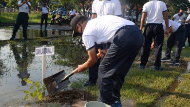 Photo of Danlantamal V Hadiri Acara Penanaman Pohon Di Lapangan Olah Raga Laut Jawa Kodiklatal