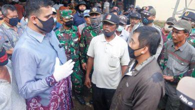 Photo of Gunakan Selalu Masker, Wali Kota Habib Sidak Pasar Hewan