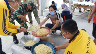Photo of Bakti Sosial Dapur Umum Dalam Rangka Pencegahan Covid 19 Kecamatan Ujungpangkah