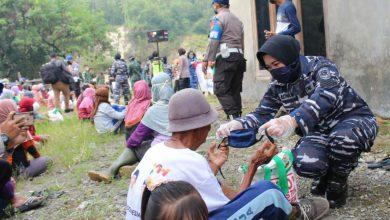 Photo of Kowal Lanal Yogyakarta Bersama Gabungan Wanita TNI Dan Polwan Bekerja Sama OASE, KIB Menggelar Bhakti Sosial Lawan Covid -19
