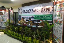 Photo of Meski Via Online, Tak mengurangi Semangat Bupati Saat Buka Musrenbang.