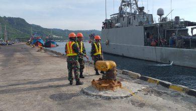 Photo of KRI Layang 635 Sandar Di Pelabuhan Tanjungwangi Banyuwangi