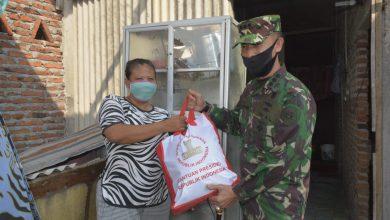 Photo of Danlanal Semarang Bersama Forkopimda Bagikan Paket Sembako Bantuan Presiden Bagi masyarakat Terdampak Covid – 19