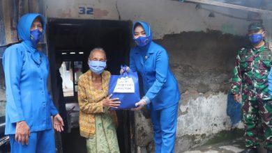 Photo of Ketua Cabang 7 Beserta Pengurus Jalasenastri Lanal Tegal Adakan Bhakti Sosial Peduli Kasih Ramadhan Dan Peduli Covid-19