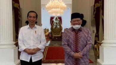 Photo of Ketua DPD RI La Nyalla Mattalitti Pertemuan Empat Mata dengan Jokowi di Istana Merdeka
