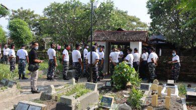 Photo of Jum'at Bersih Danlanal Tegal Adakan Kegiatan Bersih Makam Serentak Di wilayah Kerjanya