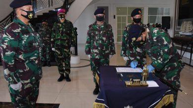 Photo of Gubernur Akademi Angkatan Laut Kukuhkan Dirrenbang AAL