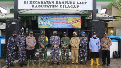Photo of Danlanal Cilacap Kunjungi Kampung Laut Dan Posal Klaces