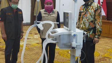 Photo of Tanggulangi Pandemi Covid – 19 Pemprov Jatim Salurkan Alkes Ventilator ke RSAL Sukanto Jahja